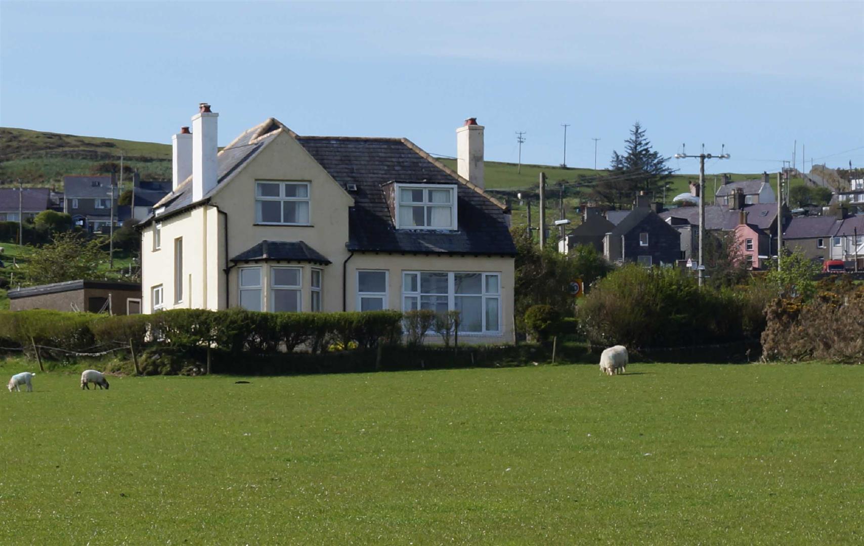 Llithfaen - £159,950/Offers over